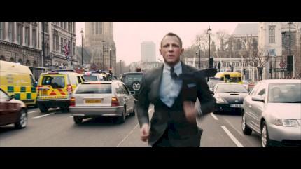 007 - Operação Skyfall - Trailer Dublado #1