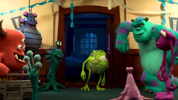 Universidade Monstros - Trailer Oficial